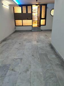 Gallery Cover Image of 2000 Sq.ft 3 BHK Independent Floor for rent in East of Kailash Block D RWA, East Of Kailash for 35000