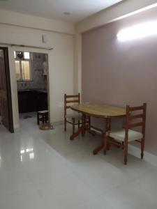 Gallery Cover Image of 760 Sq.ft 1 BHK Independent Floor for rent in Vaishali for 11000