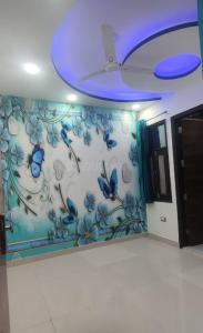 Gallery Cover Image of 590 Sq.ft 2 BHK Apartment for buy in Royal Homes, Dwarka Mor for 3400000