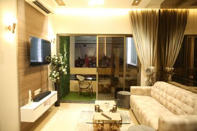 Gallery Cover Image of 1020 Sq.ft 2 BHK Apartment for buy in Evershine Amavi 303 Phase 1, Virar West for 5700000