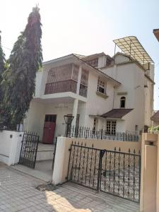Gallery Cover Image of 2500 Sq.ft 4 BHK Independent House for rent in Satellite for 30000