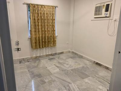Gallery Cover Image of 750 Sq.ft 1 BHK Apartment for rent in Sai sadan, Bandra West for 45000