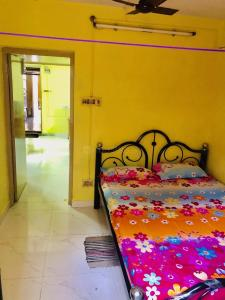 Gallery Cover Image of 500 Sq.ft 1 BHK Apartment for rent in Kalighat for 15000