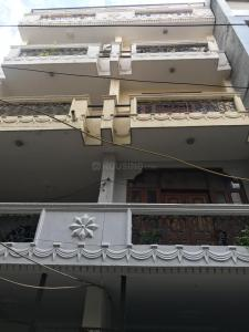 Gallery Cover Image of 1750 Sq.ft 3 BHK Independent Floor for buy in Janakpuri for 10000000