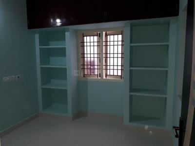 Gallery Cover Image of 500 Sq.ft 1 BHK Apartment for rent in Velachery for 9000