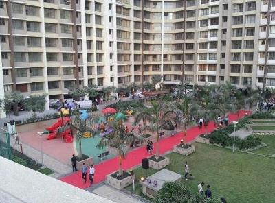 Gallery Cover Image of 982 Sq.ft 2 BHK Apartment for rent in Ghatkopar West for 60000
