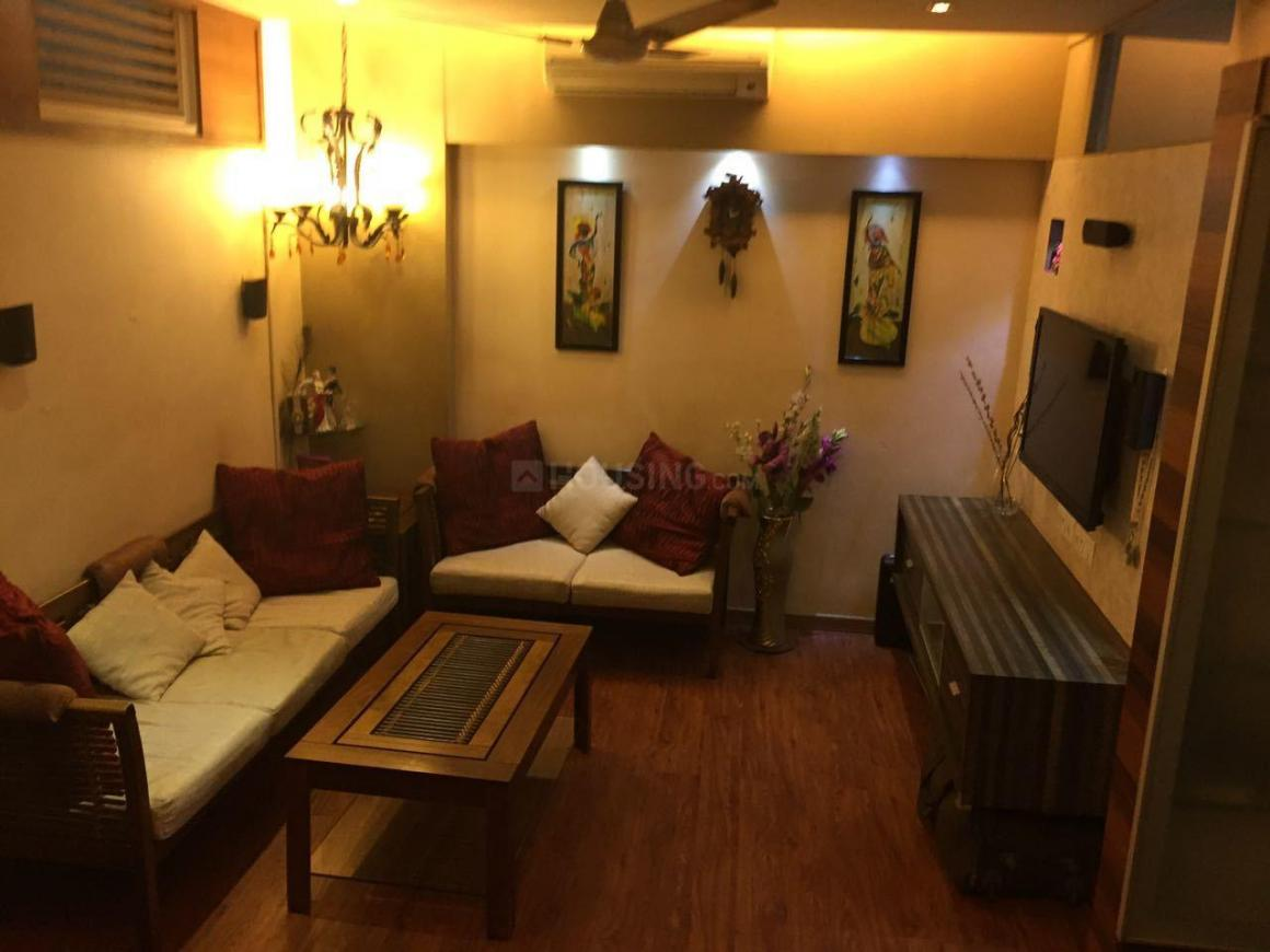 Living Room Image of 1000 Sq.ft 2 BHK Apartment for rent in Vile Parle East for 75000