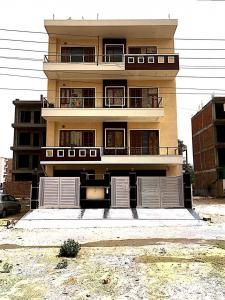 Gallery Cover Image of 1600 Sq.ft 3 BHK Independent Floor for rent in Sector 57 for 30000