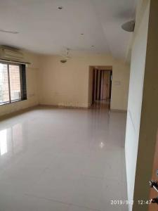 Gallery Cover Image of 2000 Sq.ft 3 BHK Apartment for rent in Andheri West for 125000
