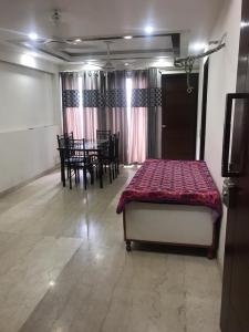 Gallery Cover Image of 1260 Sq.ft 3 BHK Independent Floor for rent in RWA Hauz Khas Block C 5, Hauz Khas for 50000