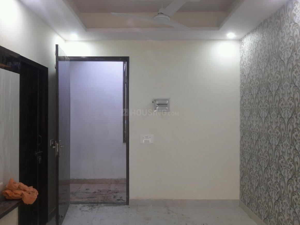 Living Room Image of 910 Sq.ft 2 BHK Apartment for buy in Noida Extension for 2250000