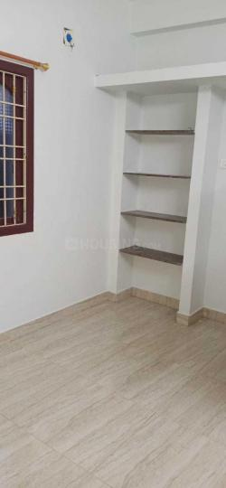 Bedroom Image of 1000 Sq.ft 2 BHK Apartment for rent in Velachery for 15000