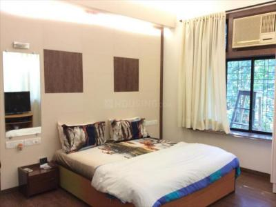 Gallery Cover Image of 600 Sq.ft 1 BHK Apartment for rent in Bandra West for 56000