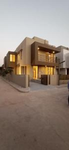 Gallery Cover Image of 2920 Sq.ft 4 BHK Villa for buy in Shivalik Lakeview, Vejalpur for 12382433