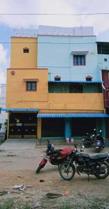 Gallery Cover Image of 1900 Sq.ft 2 BHK Independent House for buy in Kolathur for 7900000
