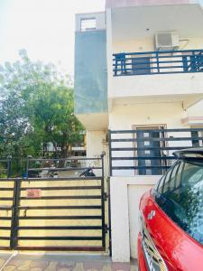 Gallery Cover Image of 2520 Sq.ft 3 BHK Independent House for rent in Science City for 30000