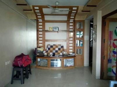 Gallery Cover Image of 750 Sq.ft 1 BHK Apartment for rent in Blue Bell Apartments, Chembur for 30000