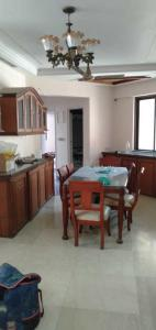Gallery Cover Image of 1600 Sq.ft 3 BHK Apartment for rent in Hiranandani Sovereign, Powai for 77000