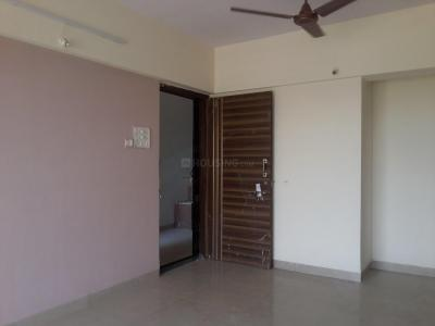 Gallery Cover Image of 844 Sq.ft 2 BHK Apartment for rent in Thane West for 22000