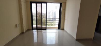 Gallery Cover Image of 1000 Sq.ft 3 BHK Apartment for rent in Romell Empress, Borivali West for 40000