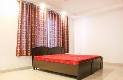 Bedroom Image of Rajesh Kapur in Ejipura