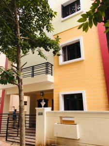 Gallery Cover Image of 5000 Sq.ft 4 BHK Villa for buy in Nizampet for 30000000