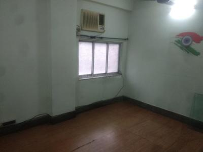 Gallery Cover Image of 950 Sq.ft 3 BHK Apartment for rent in Howrah Railway Station for 17000