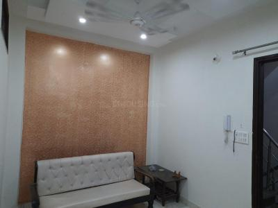 Gallery Cover Image of 450 Sq.ft 1 BHK Independent Floor for rent in Dwarka Mor for 11000