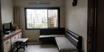 Gallery Cover Image of 755 Sq.ft 2 BHK Apartment for buy in Kandivali West for 13000000