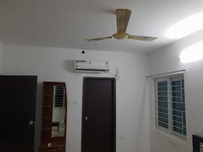 Gallery Cover Image of 810 Sq.ft 1 BHK Apartment for rent in Lake Town for 10000