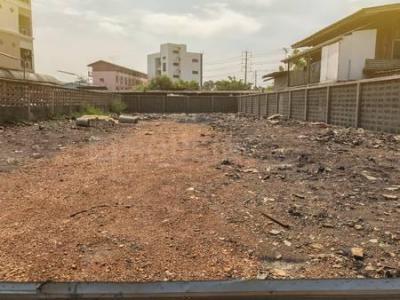 Gallery Cover Image of  Sq.ft Residential Plot for buy in Choolaimedu for 110000000