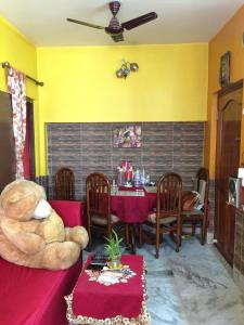 Gallery Cover Image of 500 Sq.ft 1 BHK Apartment for buy in Behala for 2300000