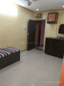 Gallery Cover Image of 280 Sq.ft 1 RK Apartment for rent in Worli for 18000