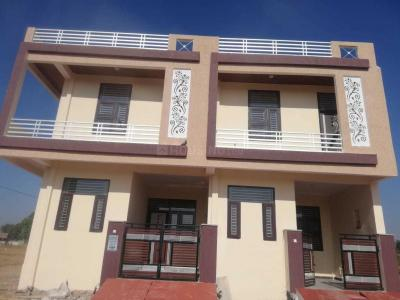 Gallery Cover Image of 1250 Sq.ft 3 BHK Independent House for buy in Jamna Puri for 3200000