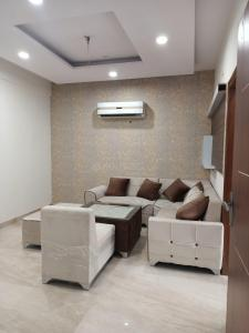 Gallery Cover Image of 1400 Sq.ft 3 BHK Apartment for buy in Peer Machula for 4090000