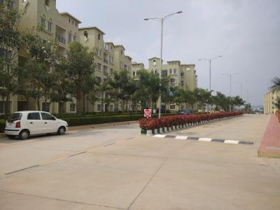 Gallery Cover Image of 1500 Sq.ft 3 BHK Apartment for rent in Electronic City for 22000
