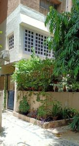 Gallery Cover Image of 1364 Sq.ft 3 BHK Apartment for buy in Vasant Kunj for 25000000