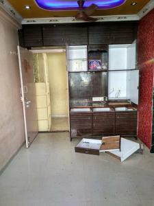 Gallery Cover Image of 200 Sq.ft 1 RK Apartment for rent in Malad West for 9500