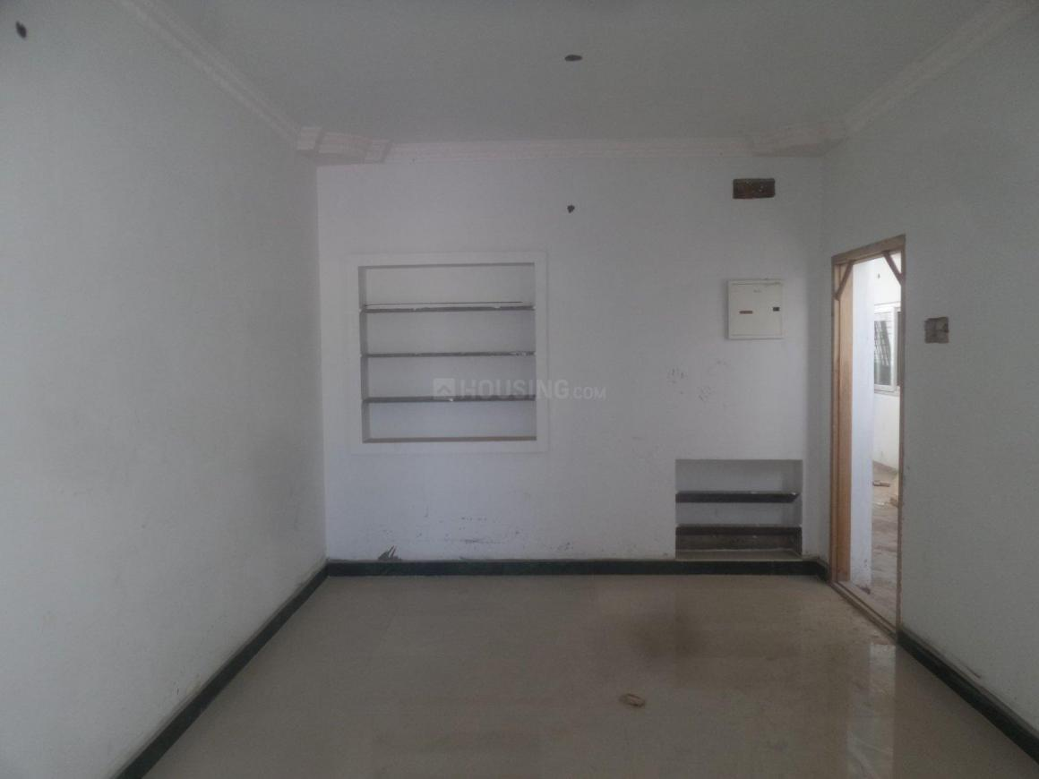 Living Room Image of 950 Sq.ft 2 BHK Apartment for rent in Tambaram for 10000