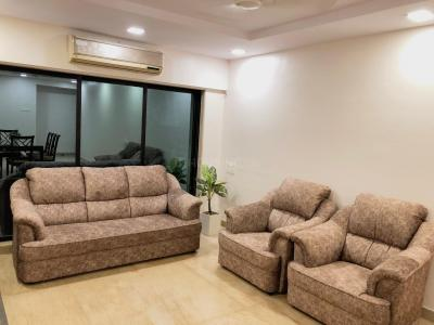 Gallery Cover Image of 950 Sq.ft 2 BHK Apartment for rent in Juhu for 89000