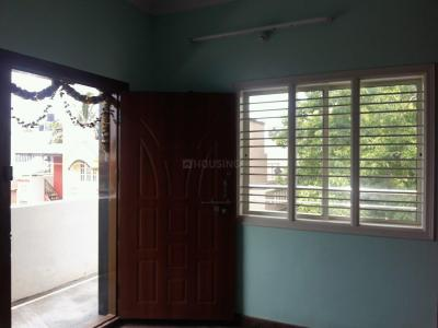 Gallery Cover Image of 450 Sq.ft 1 BHK Apartment for rent in Rajajinagar for 9500