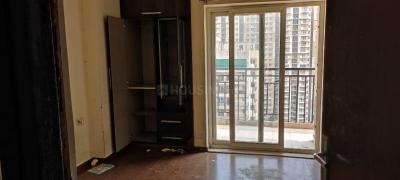 Gallery Cover Image of 980 Sq.ft 2 BHK Apartment for rent in Galaxy North Avenue II, Noida Extension for 12000