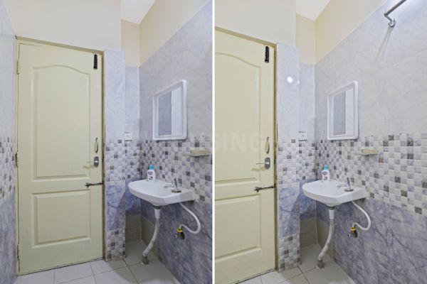 ओयों लाइफ बीएलआर1631 इन काइकोन्द्रहल्ली के बाथरूम की तस्वीर