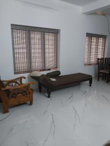 Gallery Cover Image of 1500 Sq.ft 3 BHK Independent House for buy in Kolazhy for 5400000