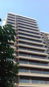 Gallery Cover Image of 1880 Sq.ft 3 BHK Apartment for rent in Juhu for 125000