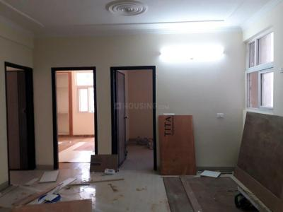 Gallery Cover Image of 1350 Sq.ft 3 BHK Apartment for buy in Gagan Vihar for 3900000