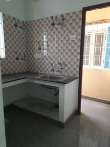 Gallery Cover Image of 850 Sq.ft 2 BHK Apartment for rent in RK Flats, Ekkatuthangal for 13000