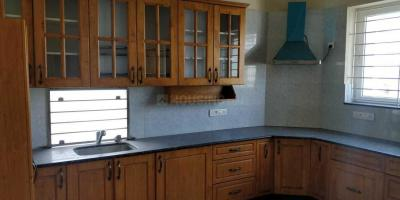 Gallery Cover Image of 3300 Sq.ft 4 BHK Apartment for rent in Mylapore for 130000