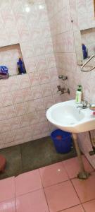 Bathroom Image of PG 4195492 Sarita Vihar in Sarita Vihar