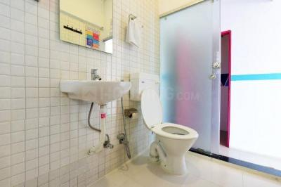 Bathroom Image of Oyo Life Ol_mum1837 in Masjid Bandar